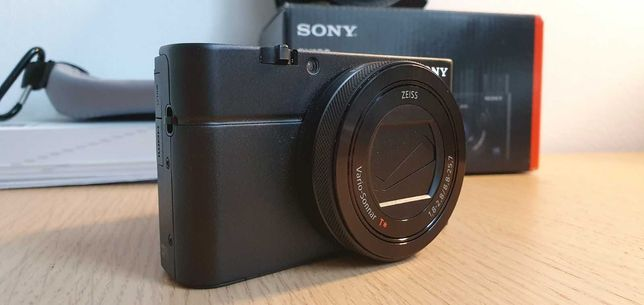 Câmara Sony Rx100 IV como nova + bolsa pele original vintage