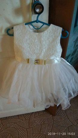Платье нарядное на 1-2 годика