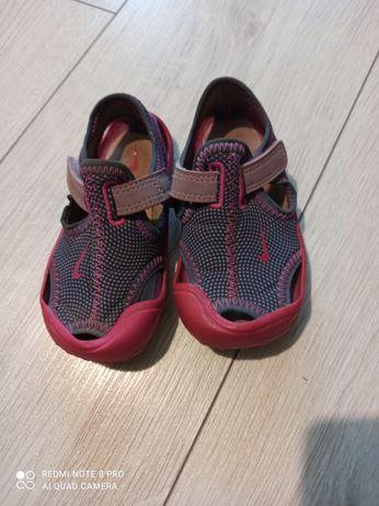 Nike sandałki rozm. 20