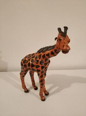 Skórzana figurka żyrafy, ozdoba wnętrz