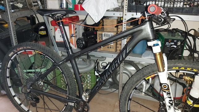 Vendo bicicleta de btt santa cruz roda 29 carbono tamanho M