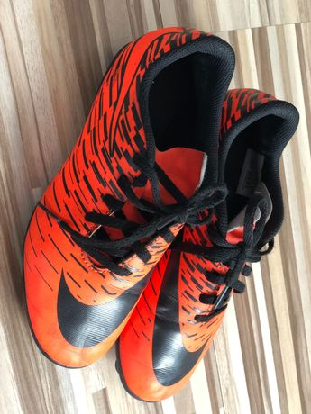 Korki piłkarskie Nike (lanki) rozmiar 35,5
