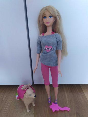 Lalka Barbie z pieskiem rodzącym szczeniaki