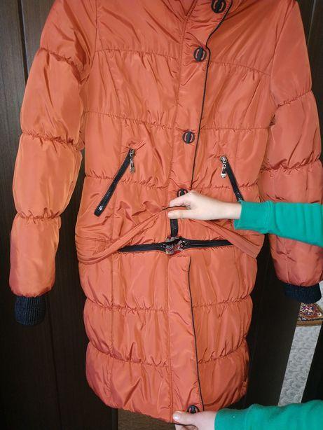 Куртка женская весна-осень, 48р., б/у в хорошем состоянии.