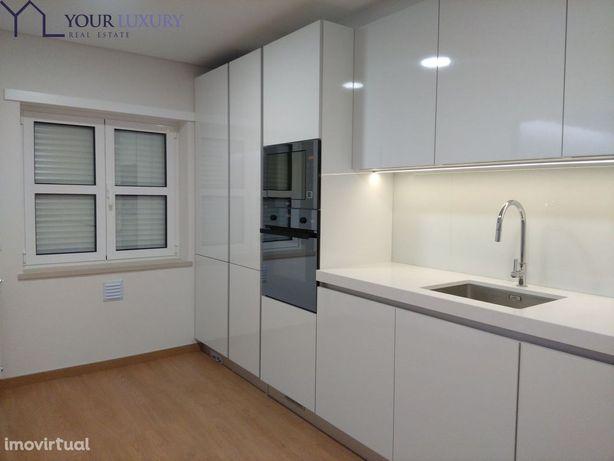 Apartamento T2 Urbanização Casas do Lago, Amadora