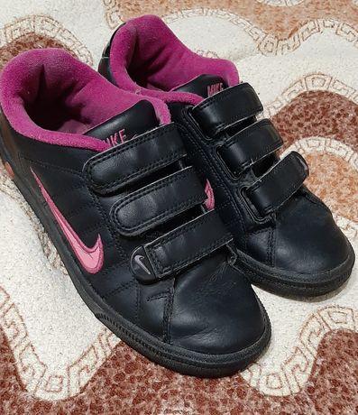 Кросівки. Красовки.
