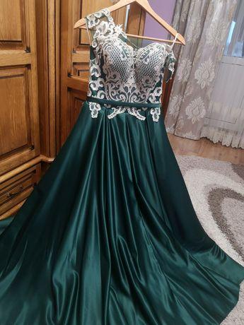 Випускне шикарне плаття