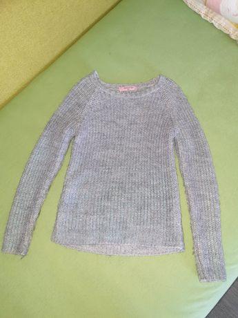 Коасивый весенний свитер, на девочку,  размер 140-150см