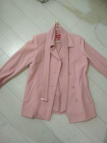 Пальтo розовое espirt