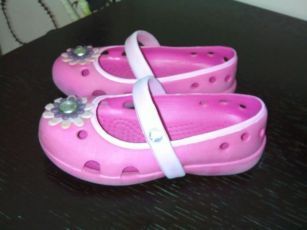 Crocs para menina