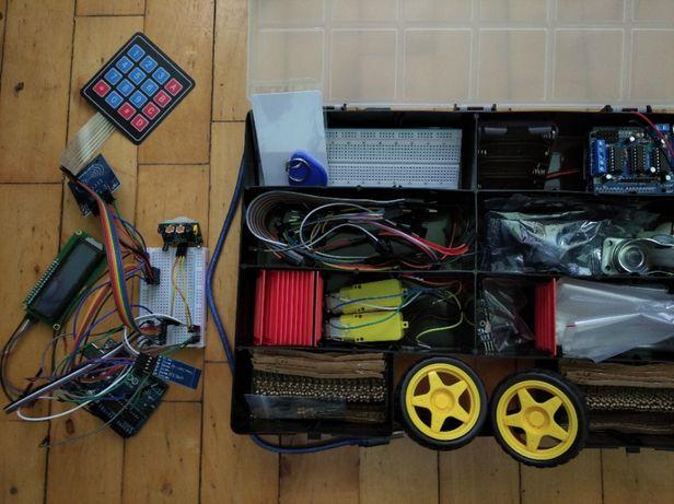 Zestaw Arduino + moduły + rezystory + kable