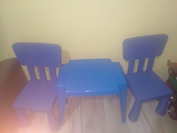 Sprzedam stoliczek z 2 krzesłami