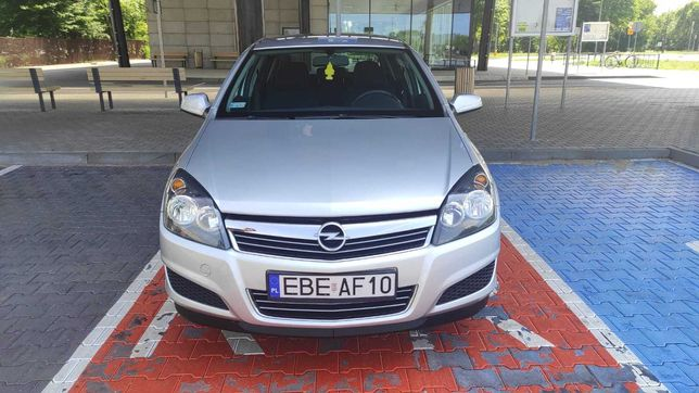 Sprzedam Opel Astra H 1.4 2010r.