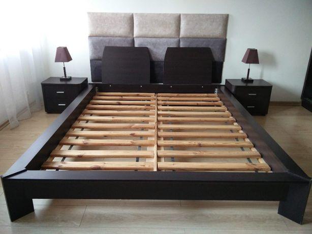 Zestaw: łóżko, stelarz, 2 szafki, 2 lampki, 9 paneli sciennych
