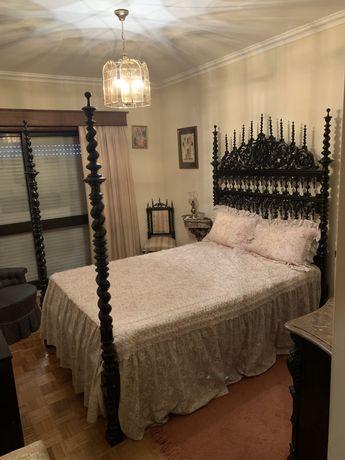 Cama Bilros ,2 cadeiras e 2 mesas cabeceira