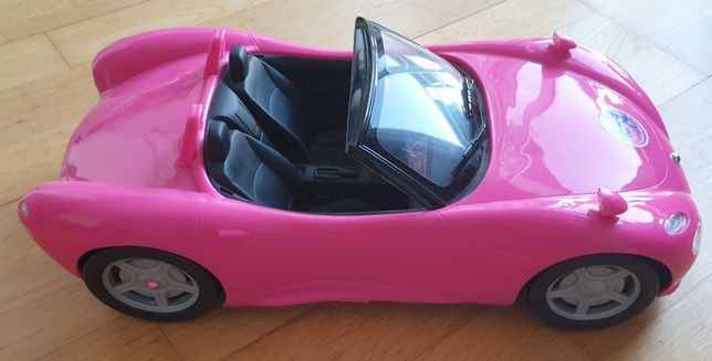 Carro descapotável para barbie