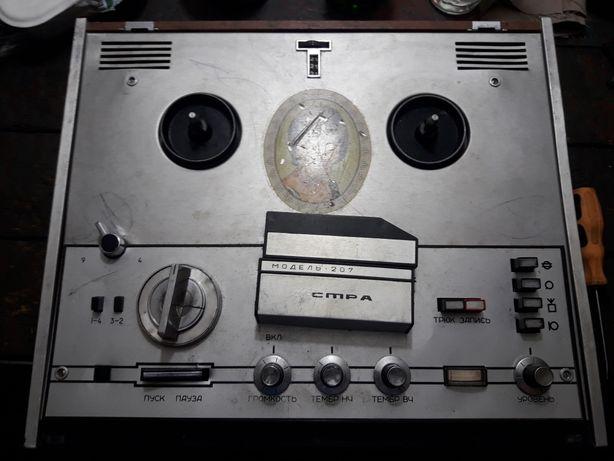 Магнитофон АСТРА 207