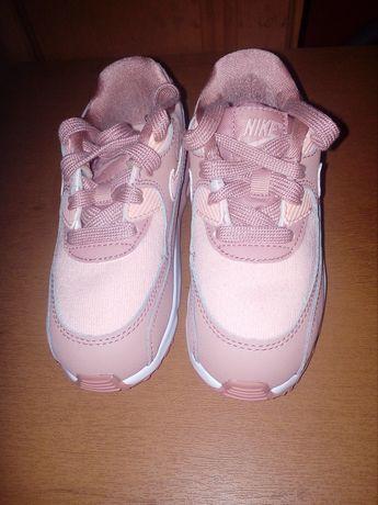 Продам нові кросівки і туфельки!!!