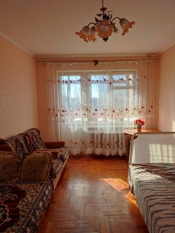 * Продам 2-кім.квартиру на Грушевського