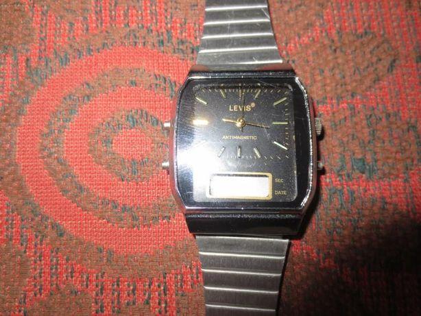 Чоловічий електронний годинник «LEVIS»