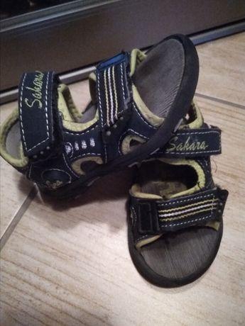 Sandałki chłopiec 21, wkładka ponad 14cm