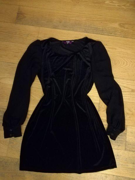 Elegancka, mała czarna, aksamitna welurowa, przezroczysty rękaw