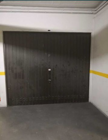 Garagem centro de CARREGADO para Carro ou Mota