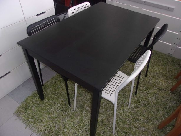 Conjunto Mesa IKEA-Lerhamn + 4 Cadeiras IKEA-Adde