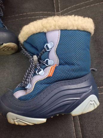 Фирменные зимние непромокаемые сапожки demar