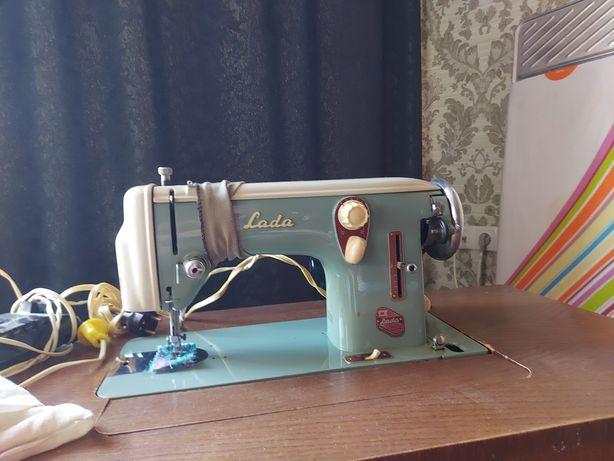 Швейная машинка рабочая