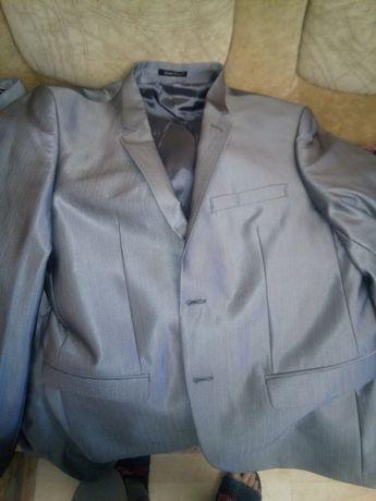 Костюм двойка (пиджак-штаны)