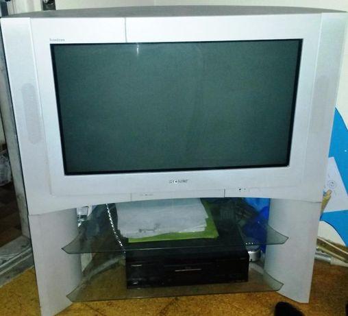 TV Sony Trinitron com móvel de apoio