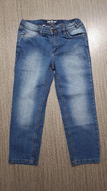 Niebieskie dżinsy na 128
