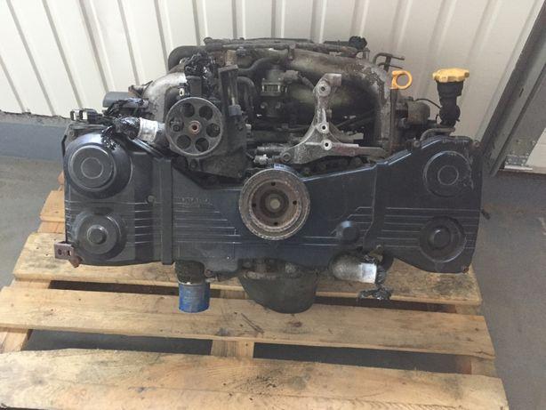 Двигатель мотор Subaru Forester Legacy Outback EJ20