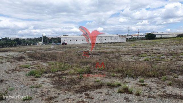 Terreno para espaço comercial ou industrial em Beja