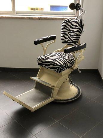 Cadeira Barbeiro / Dentista anos 30