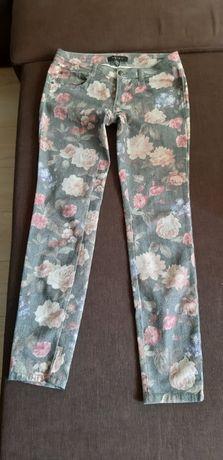 Kwiatowe jeansy Amisu, 38