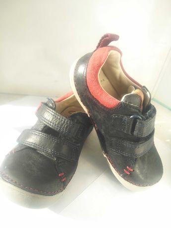Ботиночки детские Clarks, кожа, 6-9-12мес, состояние новых