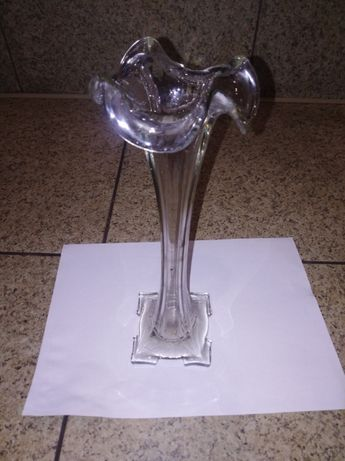 Стеклянная ваза -60 годов,под один цветок.СССР