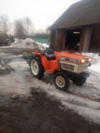 Traktorek ogrodowy Kubota B1702m