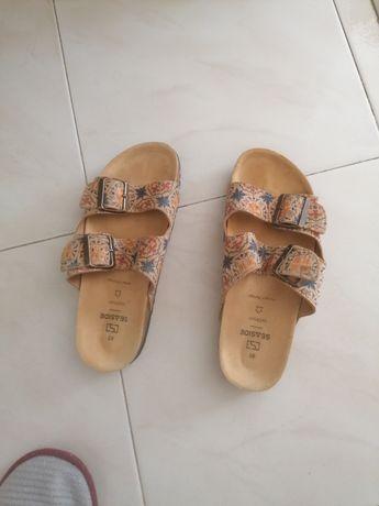 Sandálias praticamente novas n38