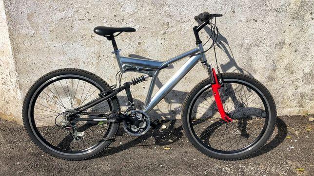 Bicicleta BTT montanha