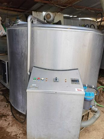 Tanque de leite com lavagem automática