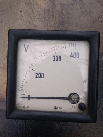 Аналоговый Вольтметр 400В Poland прибор измерительный lumel