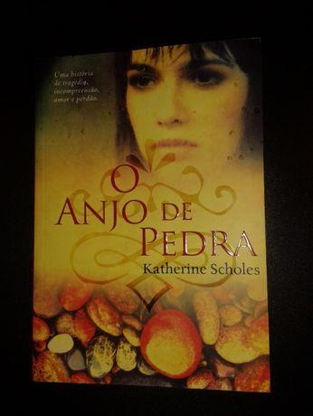 Livro - O Anjo de Pedra