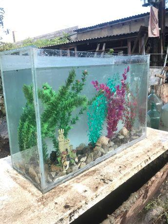 Продам аквариум в нормальном состоянии