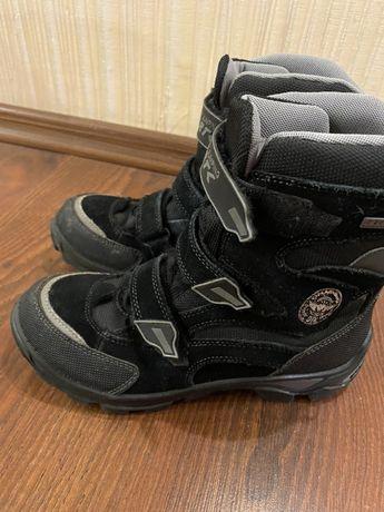 Продам детские ботинки Bartek р.36