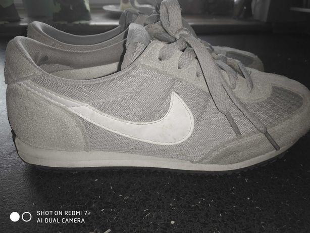 Nike- rozmiar 38.5