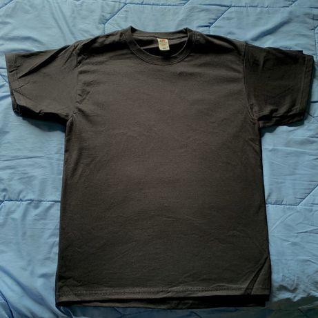 T shirts pretas M **novas**