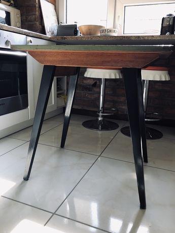 Okazja! Śliczny stolik/stół PRL! Pomalowany na czarno oliwkowo!